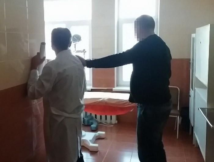 За групу інвалідності лікар у Вінниці вимагав 4000 доларів